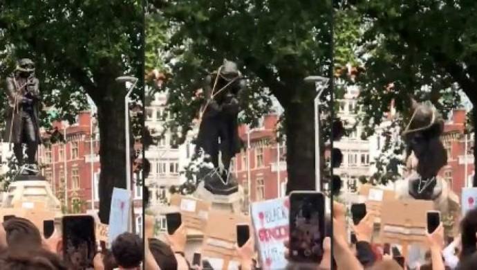 George Floyd Killing : Protestors Throw Edward Colston's Statue Into Bristol Harbour