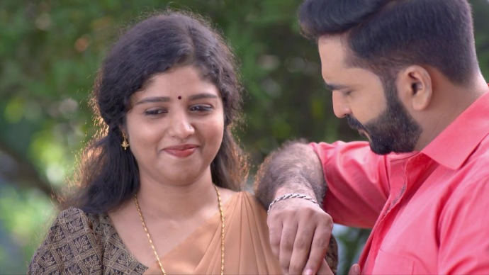 #5 Lessons To Learn From Anand And Kalyani's Relationship On Chembarathi