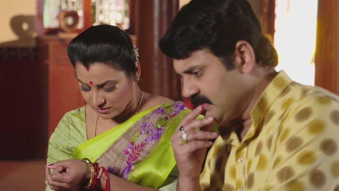 Arjun and Bharati in Ninne Pelladatha