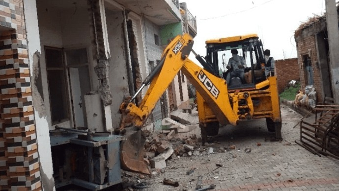 Meerut: Police Authorities Run Bulldozer Over Shamshad's House To Find Dead Bodies Of Mother-Daughter