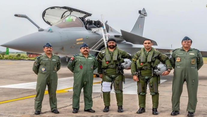 IAF Pilots Who Flew Rafale Fighter Jets From France To India Get A Grand Welcome