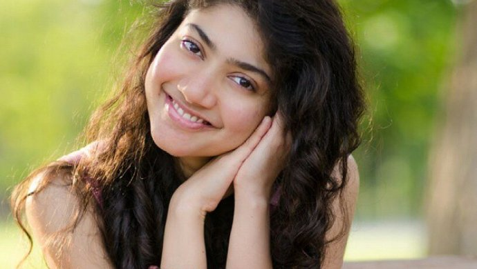 Kanam star Sai Pallavi is the girl-next-door that we all are rooting for; her Instagram will tell you why