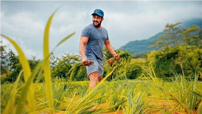 Bollywood Actor Salman Khan Tries His Hand At Farming
