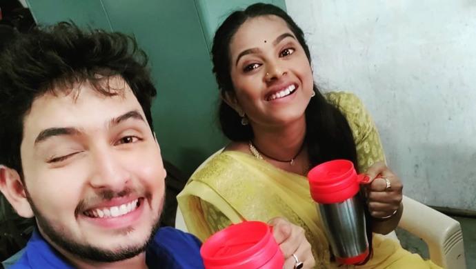 Tejas-Barve-and-Amruta-Dhongade-Mrs-Mukhyamantri