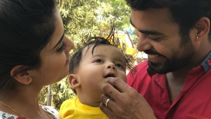 Deva and Parvathi spend quality time with their son in Muddha Mandaram (Source: ZEE5)