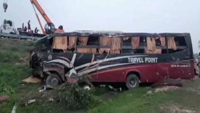 Bus Overturned On Agra-Lucknow Expressway, 30 Injured