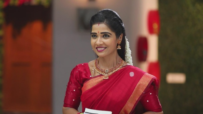 Sembaruthi 20 September 2020 Written Update: Vanaja Is Elated To See Akhila Lying Unconscious In Her Room
