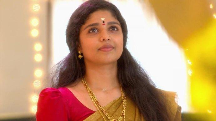 Akhila invites Kalyani to join Ganga (source:ZEE5)