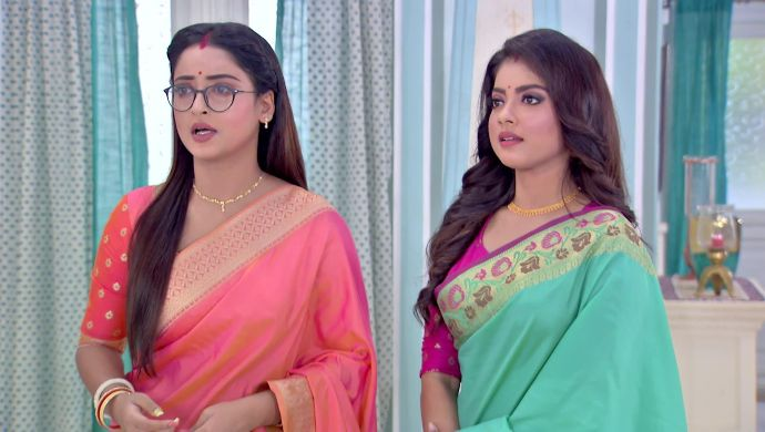 Fashion Friday: Here's A Look At What The Characters In The Latest Zee Bangla TV Serial Alo Chhaya Prefer Wearing