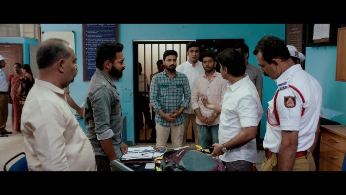 Anand stands up to the corrupted cop (Source:ZEE5)