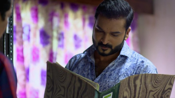 Chembarathi 19 August 2020 Written Update: Will Anand find clues to reveal Ganga's identity at Gireesh's office?