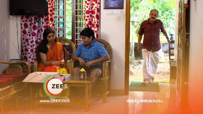 Aniyankuttan's discussion with Kalyani (Source:ZEE5))