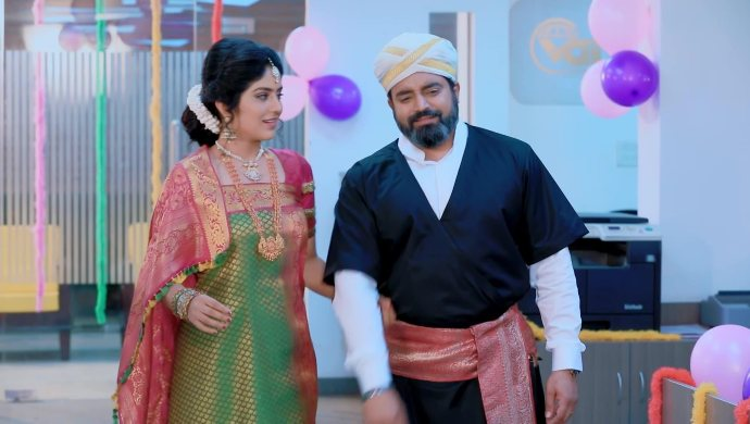 Jothe Jotheyali: Here's What Anu And Arya Have To Tell You About The Kodava Attire