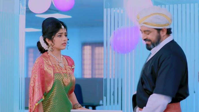 Jothe Jotheyali: Anu And Arya Have A Conversation About Their Feelings