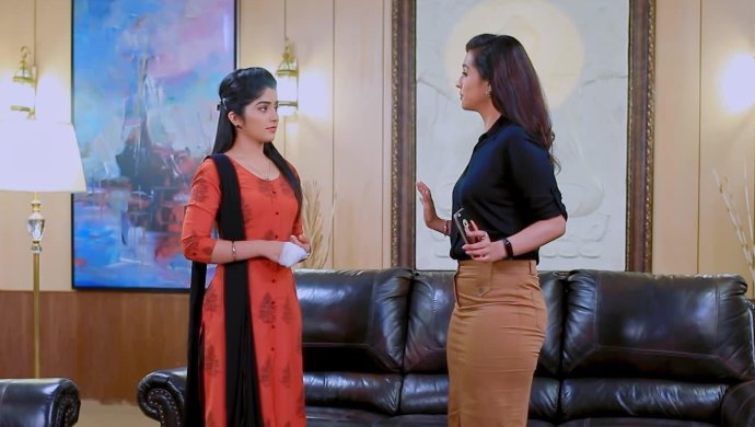 Jothe Jotheyali Written Update 14 August 2020: Meera Confronts Anu