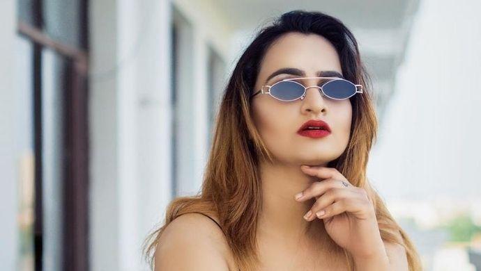 Fashion Friday: Proof that Khasma Nu Khani's Veena aka Dimple Arora is a jaw dropping beauty