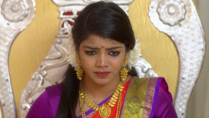 Ganga feels uncomfortable about Kalyani sitting next to her (source:ZEE5)