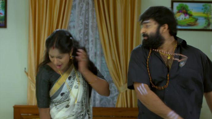 Harshan slaps Saptathi (source:ZEE5)
