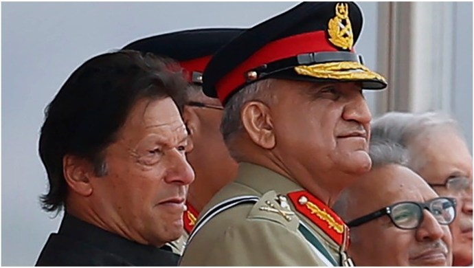 Pakistan Army Chief Insulted By Saudi Arabia, What Next For PM Imran Khan?