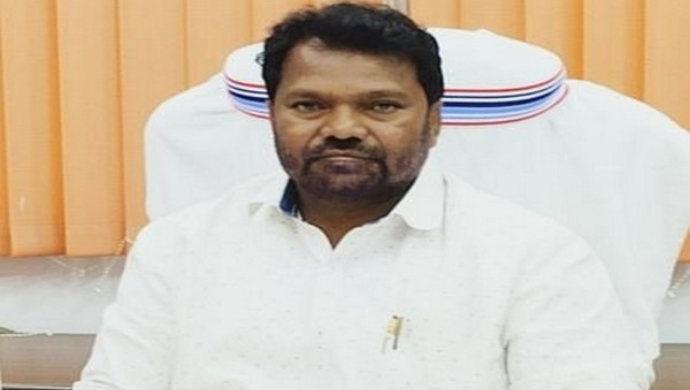 Jharkhand Education Minister Jagarnath Mahto Takes Admission In College