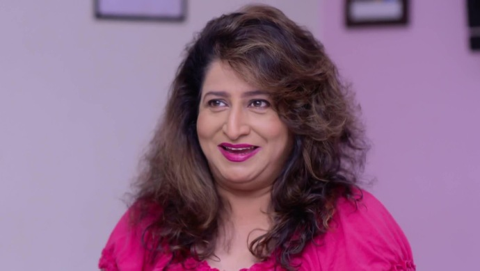 Happy Birthday Kishori Ambiye! 5 Things About Her Character Mrs Sabnis That We Love - ZEE5 News