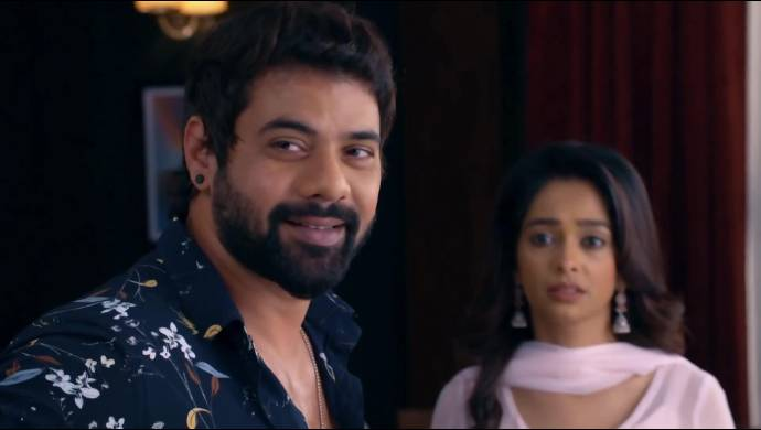 Kumkum Bhagya Written Update 17 August 2020: Abhi Gives Prachi Some Paternal Advice