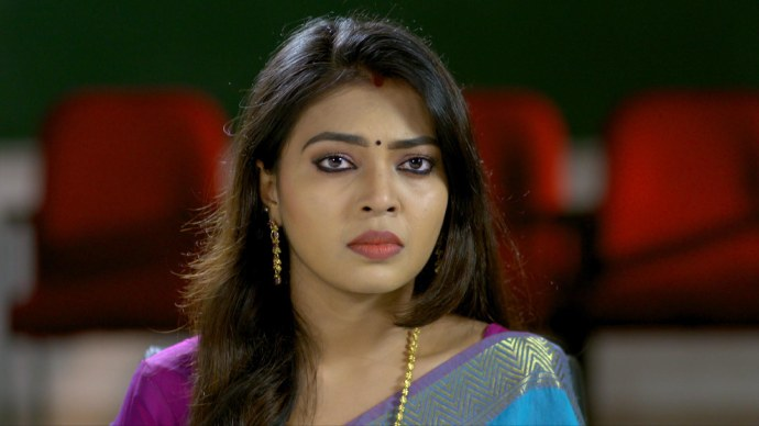 Pookalam Varavayi 26 August 2020 Spoiler: Is Samyuktha going to kill herself?