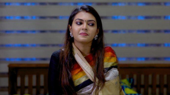 Pookalam Varavayi 18 August 2020 Written update: Will Abhimanyu ever realise Samyuktha's true love for him?