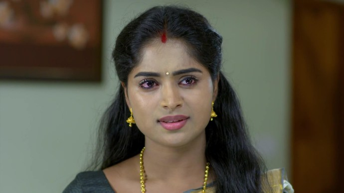 Pookalam Varavayi 24 August 2020 Written update: Harshan slaps Saptathi!