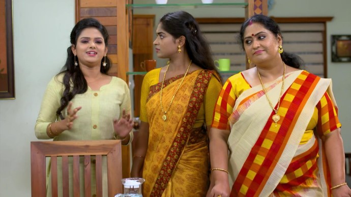 Saptathi's argument with Sharmilla and Avantika (source:ZEE5)