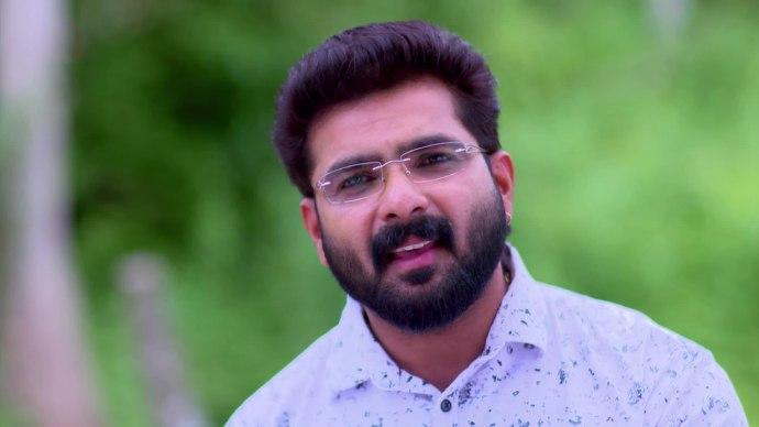 Pookalam Varavayi 14 August 2020 Written Update: Will Parvathy learn about Samyuktha's divorce from Sharath?