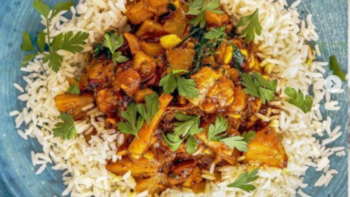 Oggarane Dabbi: Try This Easy And Fun Recipe Of Pineapple Curry