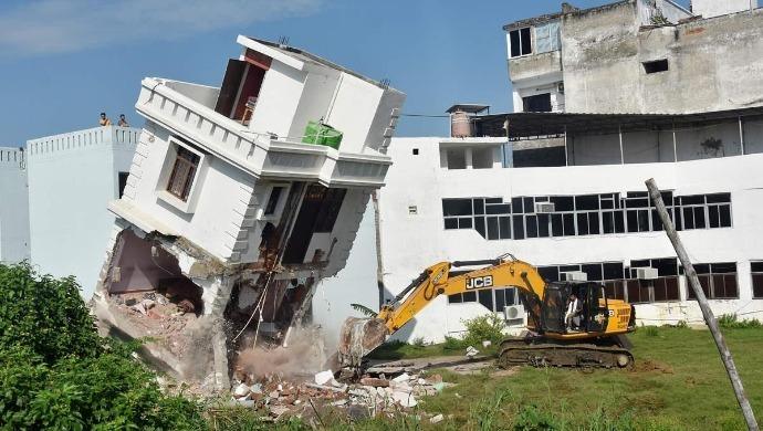 Uttar Pradesh: Yogi Adityanath Government Demolishes BSP MLA Mukhtar Ansari's Illegal Properties In Lucknow