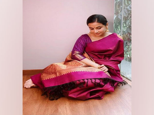 On 74th Independence Day, Vidya Balan encourages people to embrace Indian silks