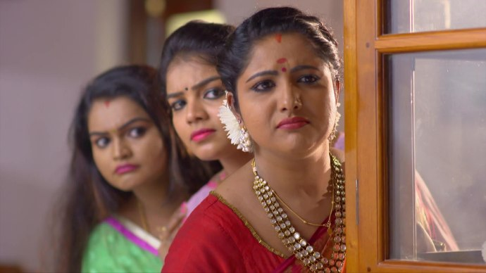 Vilasin Ganga and Jayanthi wait for Kalyani to fall into their trap (Source:ZEE5)