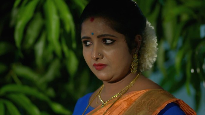 Vilasini decides Aniyankuttan as her next victim (source:ZEE5)