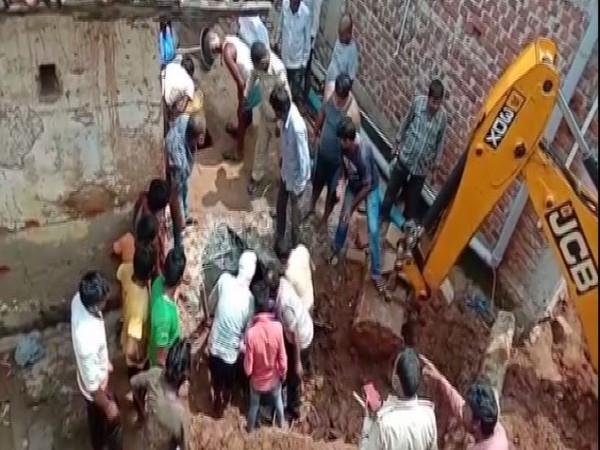 6 die after inhaling toxic gas in a septic tank in Jharkhand's Deoghar