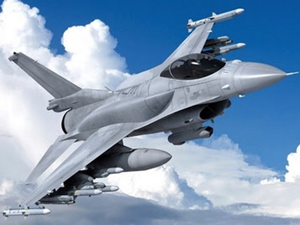 Taiwan signs deal with US to buy F-16 jets