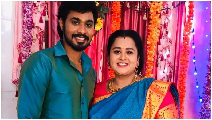 Oru Oorula Oru Rajakumari: Ashwini Radhakrishna Shares A Selfie With Reel Husband Puvi Arasu From The Sets