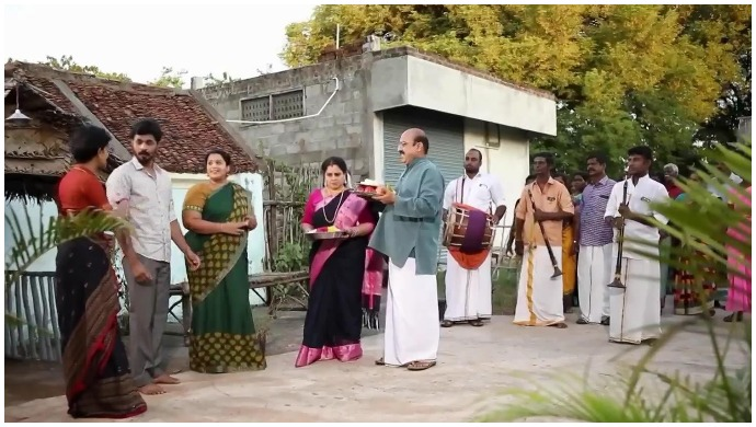Sathya – Oru Oorula Oru Rajakumari Mahasangamam: Maragatham Invites Rasathi For Their 60th Wedding Anniversary
