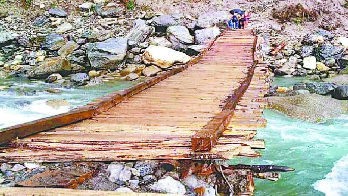 Locals Build Makeshift Bridge In Uttarakhand After Heavy Rains Destroy Roads