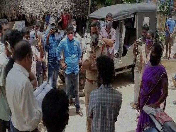 Farmer attempts suicide in front of MRO office in Vizag