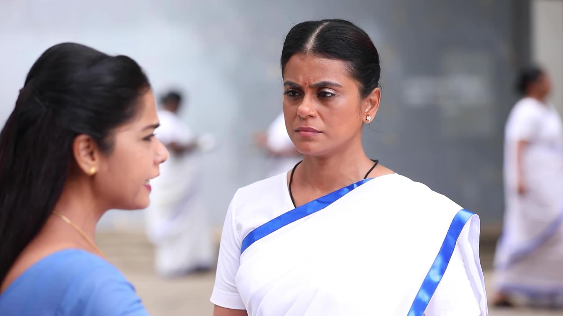 Sembaruthi 29 September 2020 Written Update: Vanaja Messes With The Wrong Person In Jail