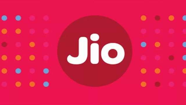 Jio vs Airtel vs Vodafone: जानें सस्ते पोस्टपेड प्लान और इनमें मिलने वाले बेनिफिट्स