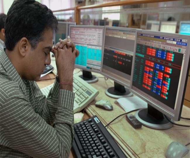 शेयर बाजार में कोहराम, Sensex ने लगाया 1,115 अंक का गोता; M&M, TCS, Bajaj Finance, Tata Motors के स्टॉक बुरी तरह टूटे