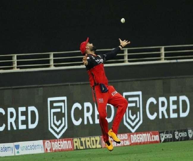 सुनील गावस्कर ने विराट-अनुष्का पर किया था कमेंट, फैंस ने की IPL 2020 के कमेंट्री पैनल से हटाने की मांग