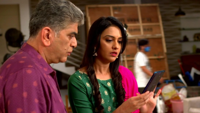 Agga Bai Sasubai 28 September 2020 Written Update: What Are Shubhra And Abhijeet Trying To Hide From Asawari?