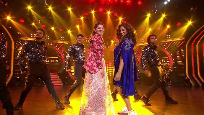 This Dancing Queen Special Rap By Sonalee Kulkarni And RJ Malishka Will Make You Groove
