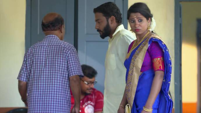 A couple named Anand and Kalyani meet the peon (source:ZEE5)