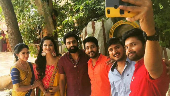 Rama Sakkani Seetha BTS: These pictures prove that Ramaraju, Seetha and others are a loving family off-screen too!